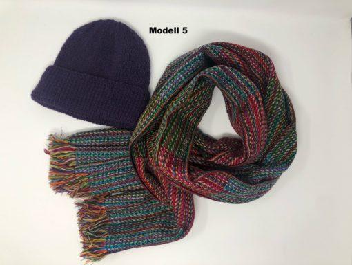 Alpaka Kombination aus Mütze und Schal.